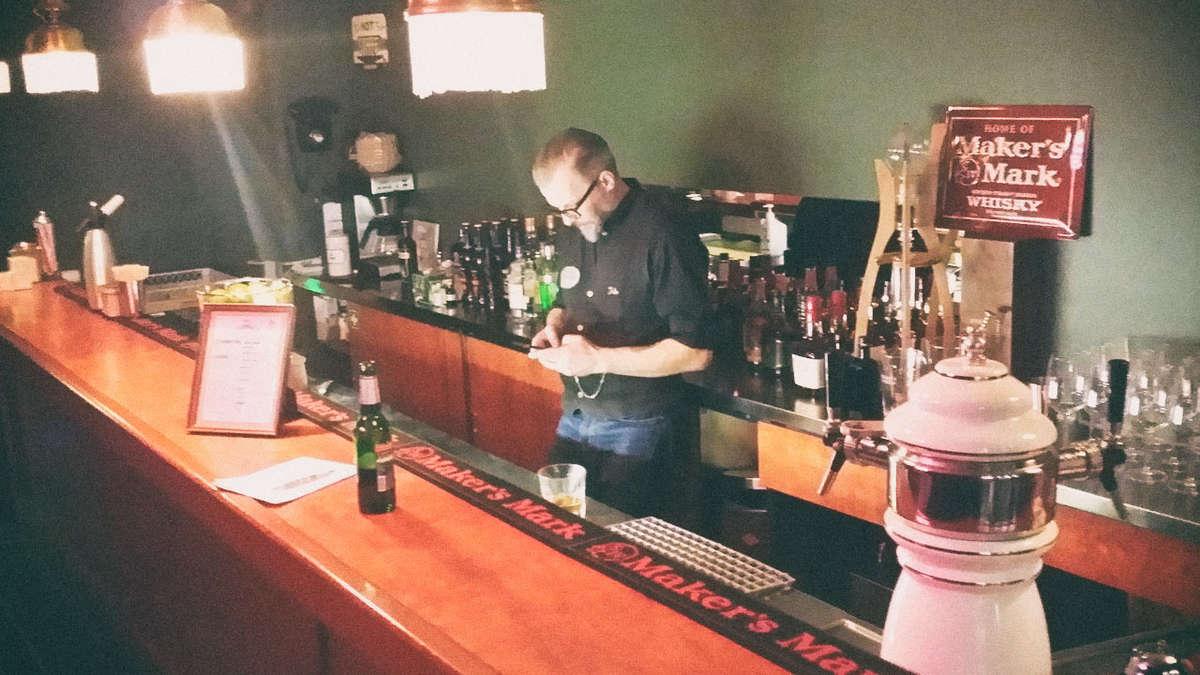 Wolf\'s Farmacy Soda-Bar München | Bars