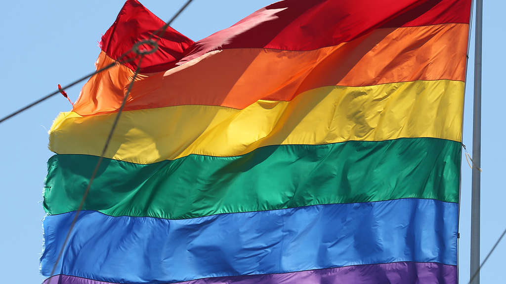 Die Flagge des Christopher Street Day